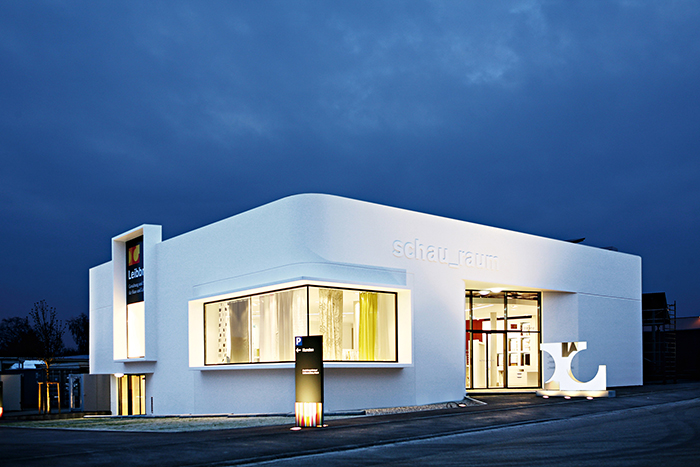 Showroom-5 Ausbau und Fassade - Marketing